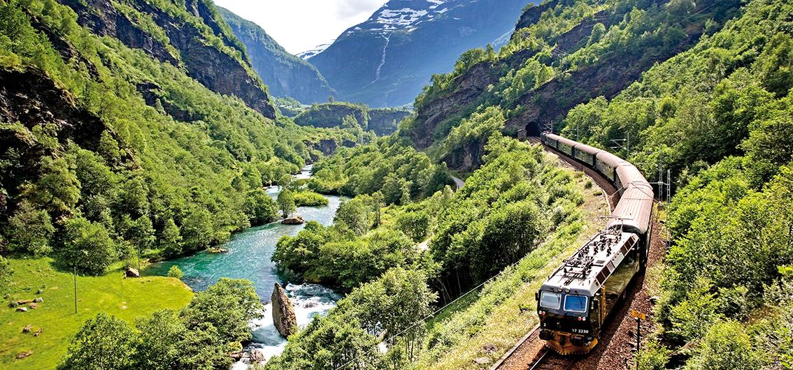 Auf den schönsten Bahnstrecken und mit Hurtigruten durch Schweden und Norwegen (2020)